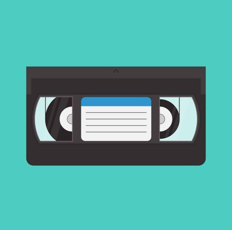 VHS/VHS-C/HI-8/8mm/MINI DV TAPE TO DVD or Flash Drive Transfer Service