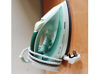 Tefal turbo pro steam iron with auto steam output, 2400 watts, quick sale at £25, works perfect