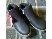 Ladies size 7 black ankle boot Brand New
