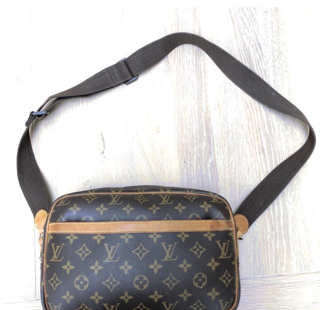 81a1c521543005 Louis Vuitton men side bag. London £150.00