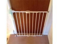 Extendable stair gate Lindam model LD104