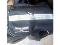 Behringer Bass V -Amp