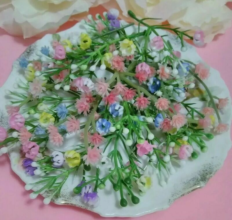 "20 Miniature Flower Stems Plastic Easter Dollhouse Corsage Baskets Crafts 1/4""🌼"