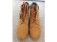 Timberland boots UK size 8.5 BRAND NEW