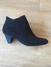 Brand New Black suede boots size 6