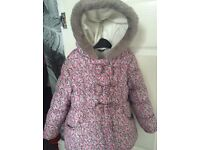 Girls coat 4-5 but small fit