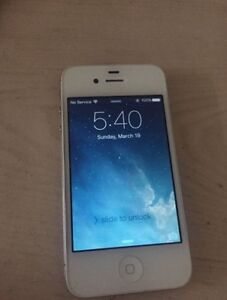 White iphone 4S locked to fido 8GB