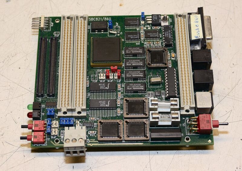 EST Wind River SBC821/860 Evaluation Board