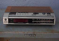 Vintage 1960s GE GENERAL ELECTRIC DIGITAL ALARM CLOCK RADIO 7-4634B RED DISPLAY