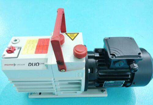 Pfeiffer Duo 5M Rotary Vane Vacuum Pump