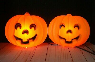 2 Vtg Blow Mold Halloween Pumpkins Jack-O-Lanterns Light Flat Wall Hanging USA