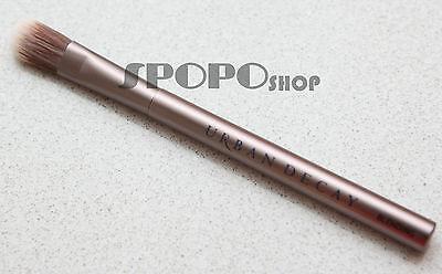 URBAN DECAY Good Karma Blending Eye Shadow Brush 100% Authentic RRP$26
