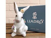 LLADRO -SITTING BUNNY WITH FLOWERS- ANIMAL FIGURE MODEL 6100 BOY GIRL BABY RABBIT HARE