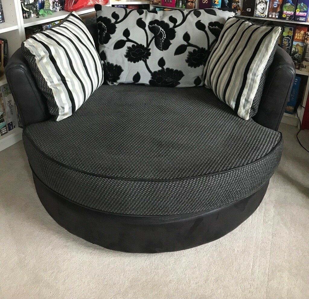 Large Round Swivel Chair In Mansfield Nottinghamshire Gumtree