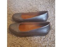 FitFlop Due Ballerina Leather Shoes in Pewter size 5 – worn once, RRP £85.00