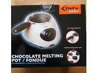 DELTA KITCHENS CHOCOLATE MELTING POT / FONDUE SET
