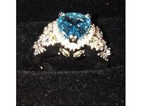 4.6ct aquamarine and white topaz silver band hallmarked ring