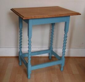 1920's Vintage Oak Side Table