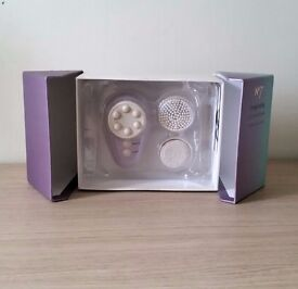 Boots No 7 Invigorating Face and Body Massager - Brand New in Packaging.