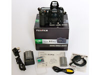 FUJIFILM FinePix S5 Pro DSLR Body IN EXCELLENT CONDITION ONLY 3,400 SHUTTER ACTUATIONS