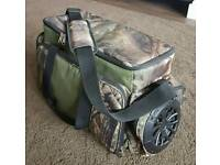 LARGE 12 LITRE 24 CAN INSULATED COOLER BAG WITH BUILT IN SPEAKER