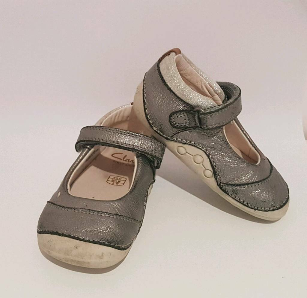 ec620facbf1 Clarks baby girl shoes size 4