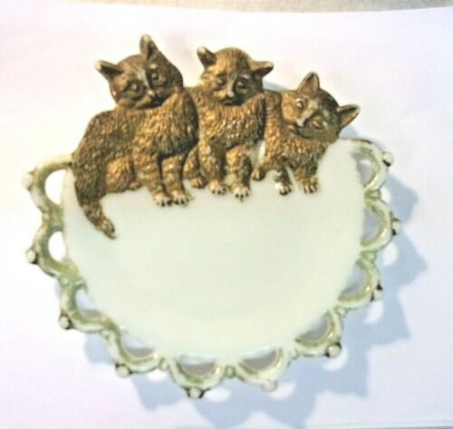 Antique Victorian Milk Glass Plate Westmoreland THREE CATS Plate 1880