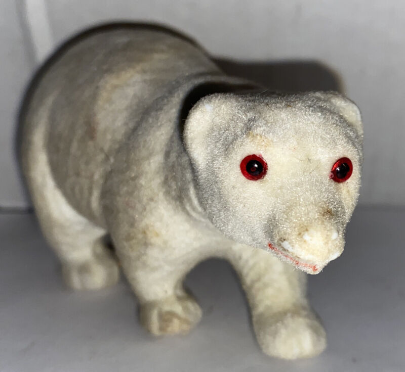 Vintage Flocked Polar Bear Red Eyes Rare! Kunstlerschutz?