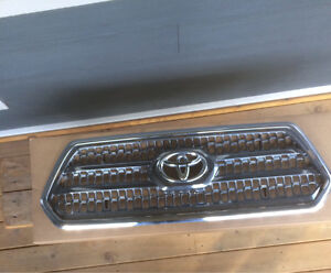 2016+ Toyota Tacoma grille insert