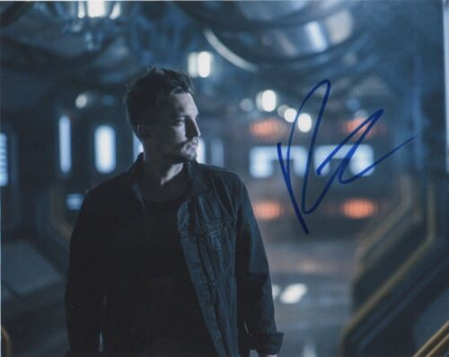 Richard Harmon The 100 Autographed Signed 8x10 Photo COA E2
