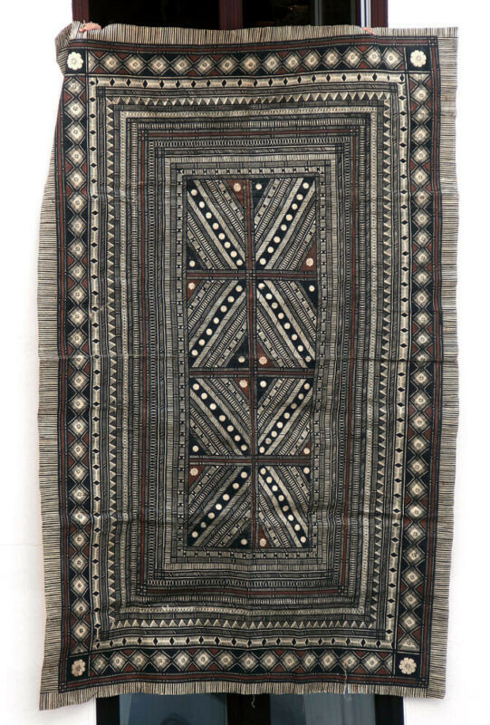 HUGE tapa from Fiji, intricate patterns, superb!