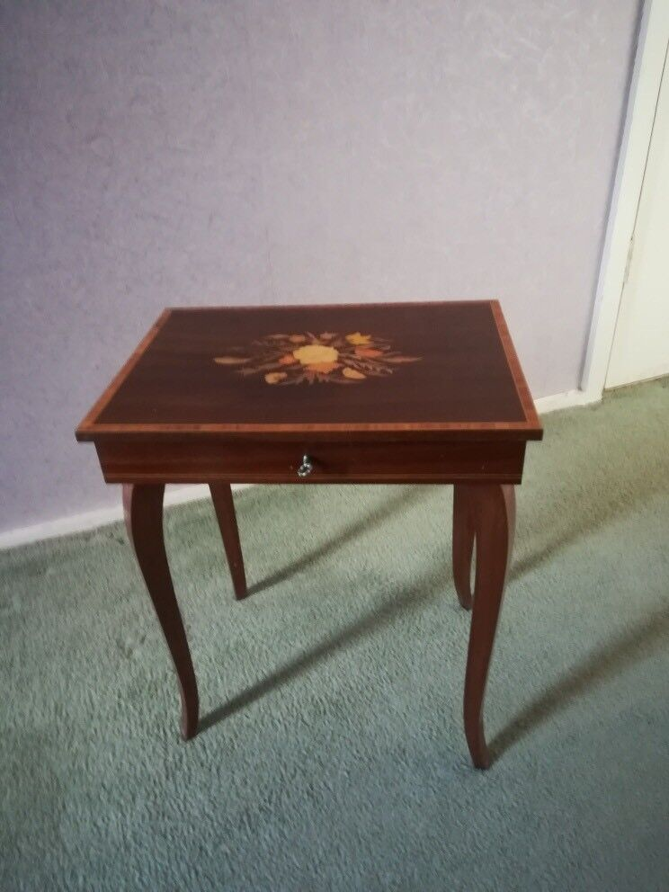4c5bad557 Phenomenal retro vintage musical jewellery box table - in working order!