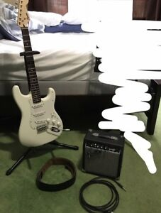 Squier Guitar Bundle with Amplifier (Like New)
