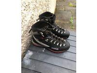 ASOLO GTX GORTEX MOUNTAIN BOOT SIZE 11 (Hardly Worn) BARGAIN £75!!