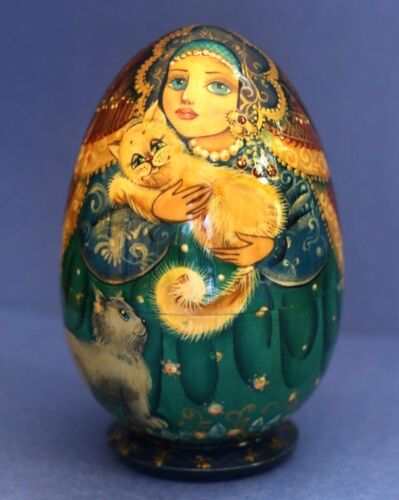 2002 Russian Nesting DOLL Girl with a Cat Hand Carved Hand Painted Artist Signed