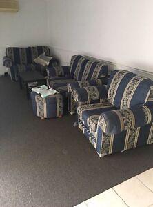 Lounge suit Cranebrook Penrith Area Preview