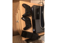 Xbox One Black 500gb 2 controllers