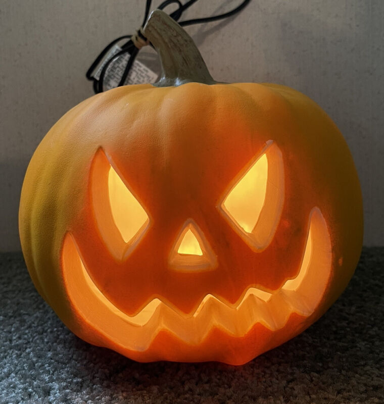 Pumpkin Blow Mold Electric Lighted Pumpkin Jack-o-lantern NICE Halloween Decor