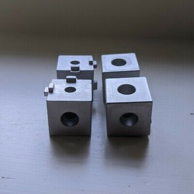 Pack Of 4 4042 -10 Series 3 Way Squared Corner Connector - 8020 8020 Used