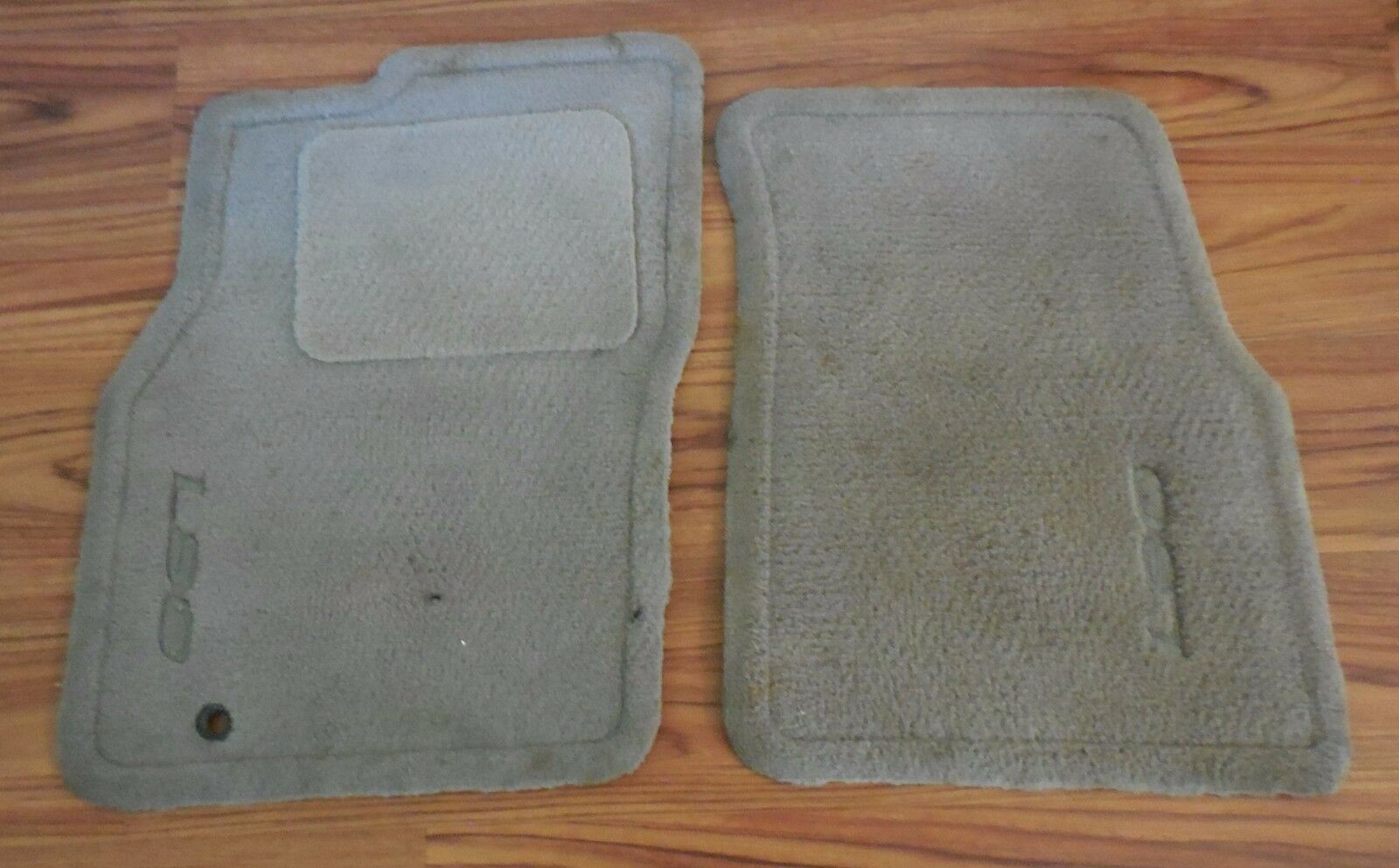 Used lincoln floor mats carpets for sale 1993 1998 lincoln mark viii lsc floor mats color is medium graphitegrey sciox Image collections