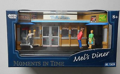 MEL'S DINER MOMENTS IN TIME 1:64 MOTORMAX DIORAMA w PEOPLE FIGURES