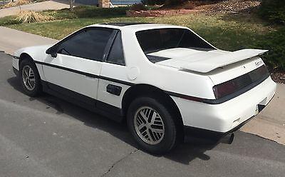 1986 Pontiac Fiero  1986 Pontiac Fiero SE V6