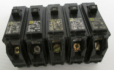 Mixed Lot Of 5 Square D Circuit Breakers 1 Hom115 4 Hom120 1p 120240vac