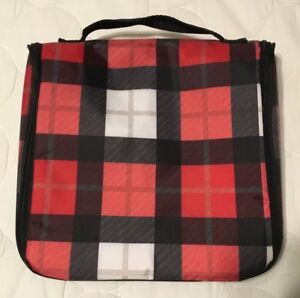 Hanging Traveller Case by Thirty-One