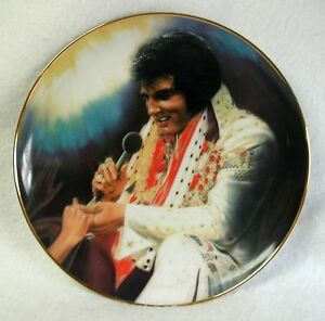 ELVIS-PRESLEY-Plate-LOVING-YOU-2nd-Elvis-Remembered-Susie-Morton-1009J-1989