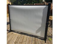 Portable Projector Screen - Free Standing