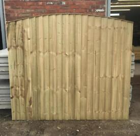 🦋 Pressure Treated Arch Top Wooden Garden Fence Panels