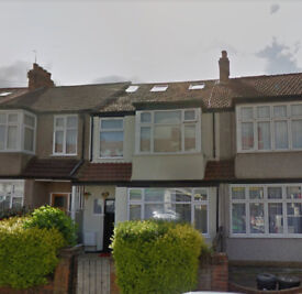 4/5 Bedroom House in Norbury - 3 w/c, dining room, large rear garden