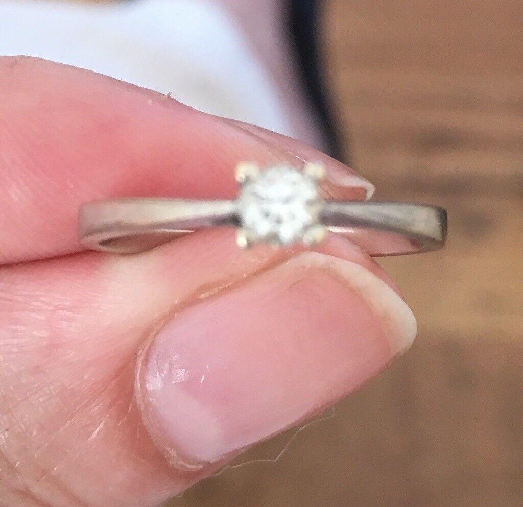 White gold diamond ring. 18ct White gold, South African Diamond ...