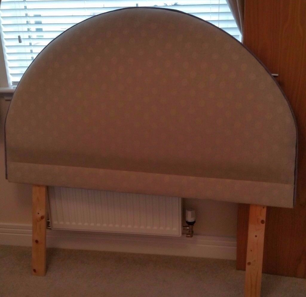 Contemporary fabric upholstered headboard to fit 4' 6 double bed.